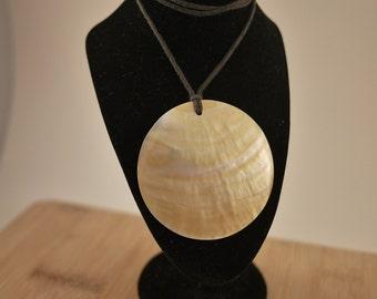 Vintage Singe Round Shell Adjustable String Necklace