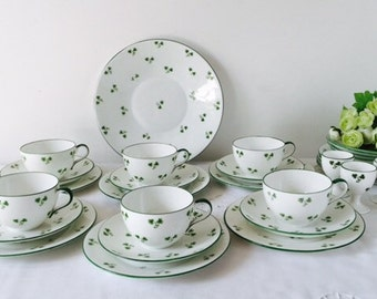 Wileman & Co (pre-Shelley), Shamrock Tea Set + Egg Cups, 28 Pieces, c1892+, Staffordshire.