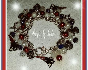 Patriots dangling charm bracelet
