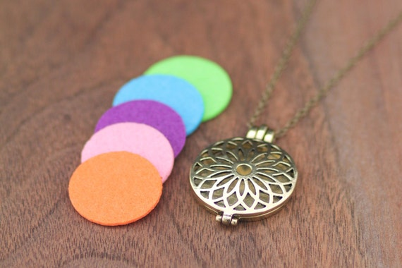 Diffuser Necklace, Essential Oil Necklace, Essential Oil Locket, Aromatherapy Locket, Felt Pads + 1ml FREE SAMPLE OIL