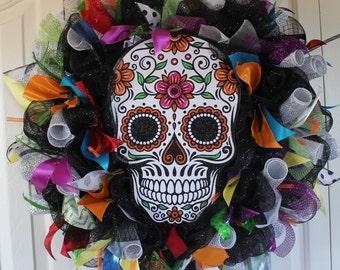 Large Day of The Dead deco mesh wreath. Dia de los Muertos Decor.  Catrina Day of the Dead Decor. Skeleton wreath. Halloween wreath.