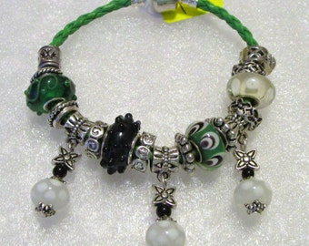 477 - CLEARANCE - Green & Black Bracelet
