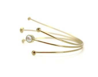White pearl bracelet,handmade bracelet,bezel bracelet,gold bracelet,gold cuff,metal stone cuff,adjustable bracelet