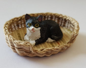 Basket/bed cat or small dog