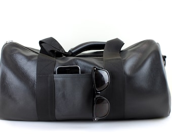 Black leather Sports Bag, Luxury leather gym bag with waterproof lining and YKK zippers throughout