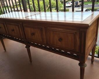 Vintage Gordon's Fine Furniture Company, neoclassical console cabinet.
