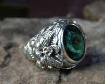 Silver ring Boma motif with green quartz