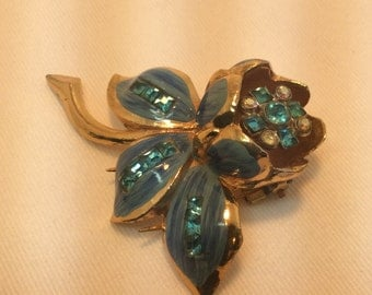 Blue Coro Trembler Flower Fur Clip. Pin. Brooch.1940's. Vi tage.
