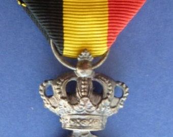 Interesting Old Belgium Medal in Silver & Enamel. Fabulous condition.