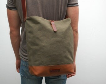 Messenger  bag waxed canvas,khaky color, closures in leather