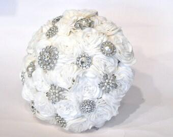 Ivory rose bouquet / Felt Brooch Bouquet / Wedding flowers / everlasting flowers / sparkle / large bridal bouquet / heirloom bouquet