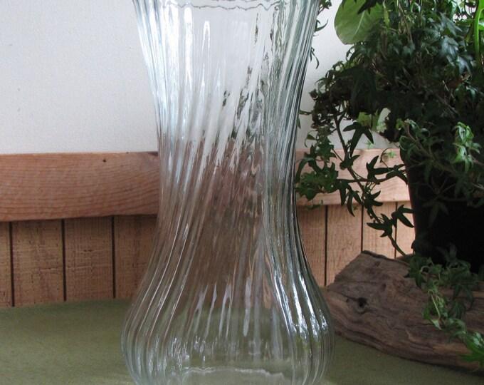 Vintage Hoosier Glass Vase Swirled Clear Vintage Florist Ware #4081-4091 Mold #26