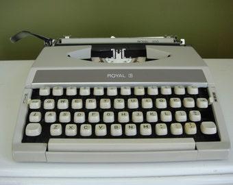 Vintage Typewriter - Royal 200 - Portable/ Manual Typewriter - Epsteam