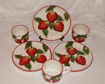 Strawberry Decor Vintage Plates and Cups Set of 3, Casa Vero, Farmhouse Kitchen
