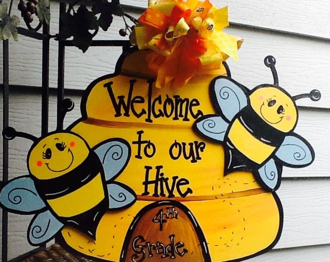 Teacher sign, teacher door sign, school sign,Bee door sign, , bee door hanger, bee happy sign, bumble bee door hanger, beehive door hanger