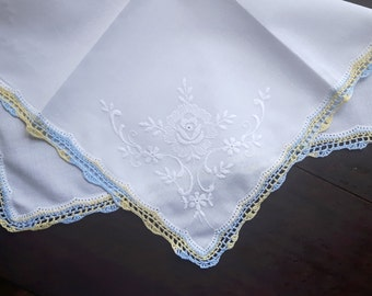 Vintage cotton handkerchief with handmade lace