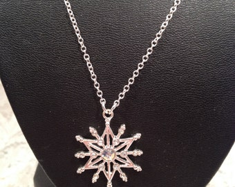 Silver Tone Snowflake or Star Necklace With Small Aurora Borealis Rhinestones,  Signed NWT,  Pretty Necklace for a Young girl.