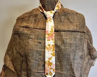 Peach floral Necktie Kitty Vera