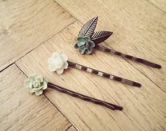 Hairpins tones of green and bronze, flowers in resin