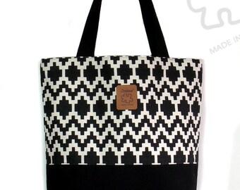 Graphic Tote bag, shoulder bag, Black & White, Large tote, Canvas Bag, Laptop bag, Inner pocket, Handmade bag