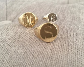 Gold engraved signet ring