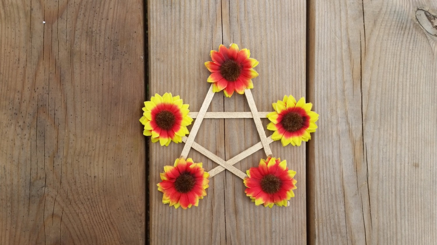Midsummer Pentagram Litha Altar Decor Sunflower Pentagram Litha Sabbat Decor Seasonal Decor Witches Star Pagan Home Decor Pagan Gift