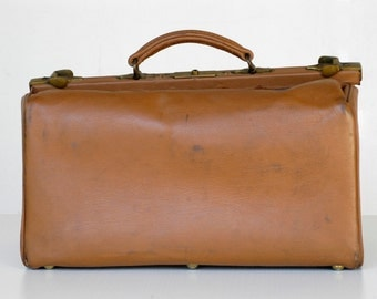 French doctor bag