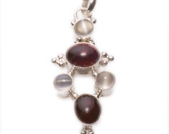 Fine Vintage design Silver Pendant. Moonstone and Garnet gems and a Silver Chain.