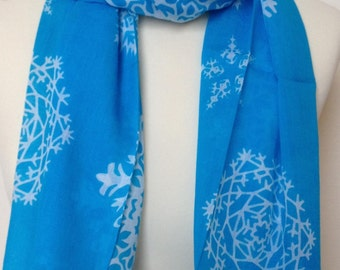 Turquoise blue snowflake print scarf in 100% cotton