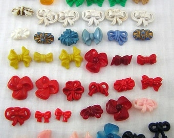 50+ Vintage, Ribbon & Bow BUTTONS: 1940s-1950s, Retro LOOK! Electroplated and Plastic, Openwork, Realistic Shapes, Colourful, FUN Lot