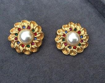Vintage Chanel ear clips - earrings