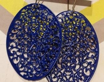 The Abby....Beautiful Royal Blue Oval Lightweight Earrings