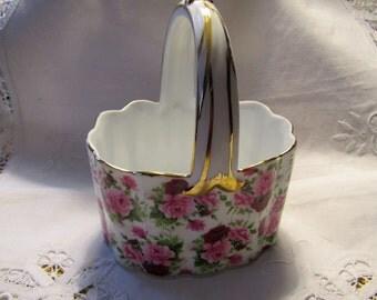 Porcelain trinket basket