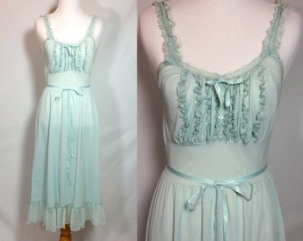 Beautiful Vintage 1950's  Seamprufe Nightgown