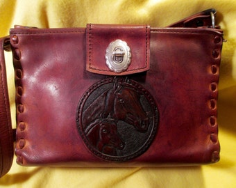 Vintage Western Hand Tooled Leather Handbag in Excellent Condition.