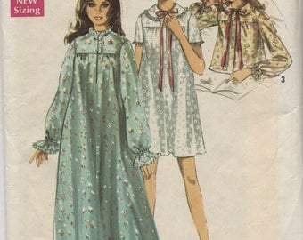 Misses Nightgown and Bedjacket   Sewing Pattern - Size 12 - 14 Bust 34  - 36 -  Simplicity  8457 - Uncut