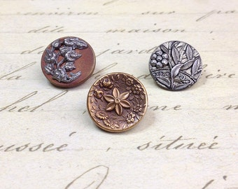 3 Antique Metal Picture Buttons 17 mm