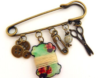 """PIN """"my sewing equipment"""" coil, scissors, buttons and pins to nurse"""