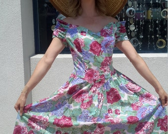beautiful 1970s vintage flowered sundress!!