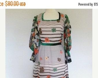 SALE 25% OFF Vintage maxi dress 1970's Cotton Floral Maxi Dress Small