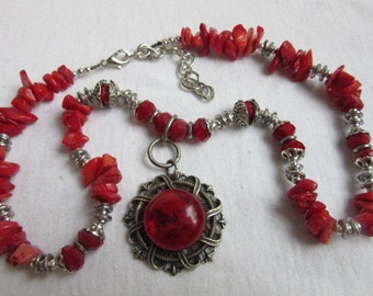 Stunning Vintage Silver Metal Red Coral Stones Necklace 52 Grams.