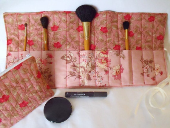make up gift set, zipped pouch, cosmetic gift set, make up brush holder, pink rose and daisy fabric