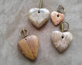 Leather Necklace with Lmestone or Walnut Heart NBJ370