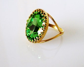 emerald gold ring oval emerald ring in 18k gold large. Black Bedroom Furniture Sets. Home Design Ideas
