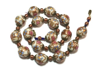 Murano Glass 50s White Wedding Cake Necklace
