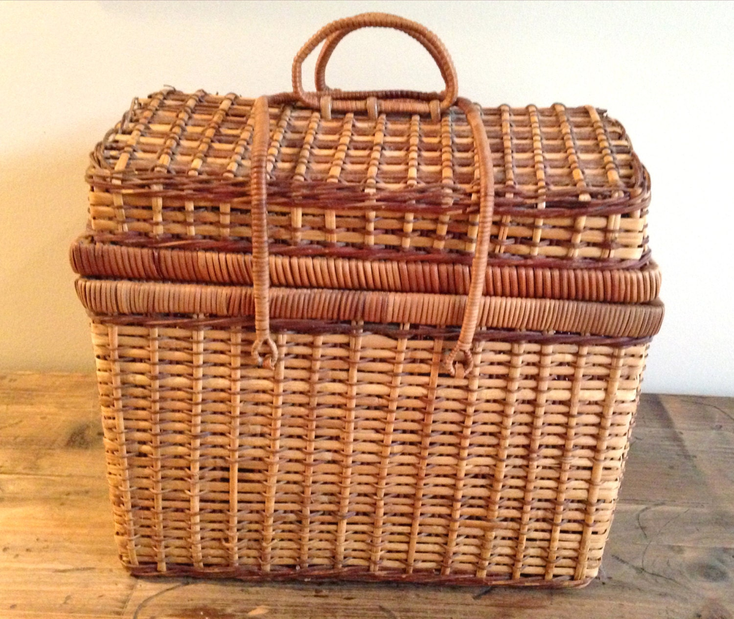 Wicker Baskets With Handles And Lid : Vintage wicker picnic sewing basket with lid and handles m