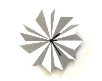 Horloge murale en bois - Origami Argent