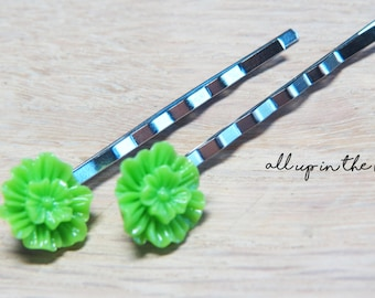 Green Flower Bobby Pins - Green Mum Bobby Pins
