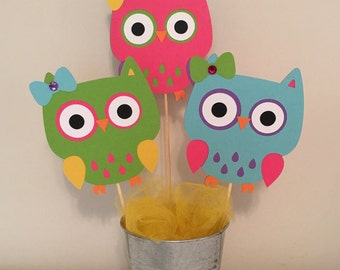 3 owl's with open eyes centerpieces