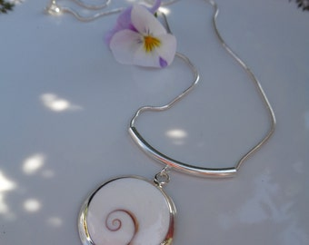 Necklace sterling silver with Shiva shell, wonderfully summery and classy-plain
